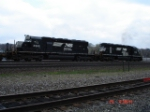 NS 3343 & NS 3363 head EB behind a COFC Train
